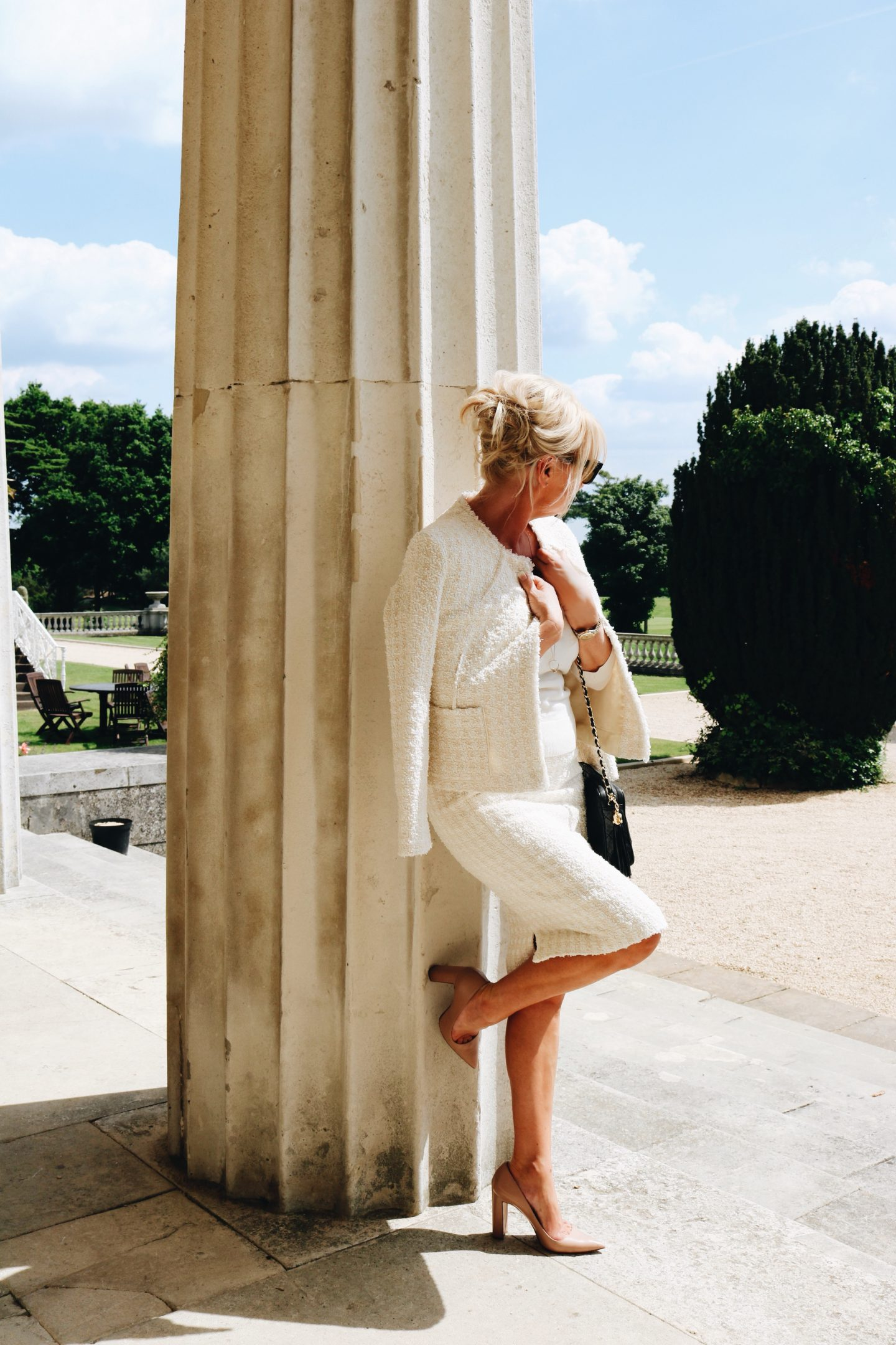 WINSER LONDON LAUREN SUIT AT STOKE PARK BUCKINGHAMSHIRE